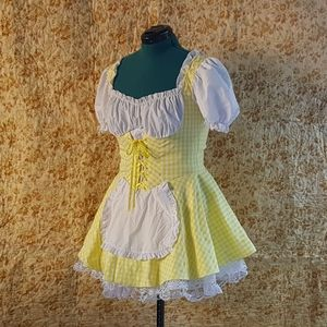 Yellow gingham goldilocks or bavarian girl costume